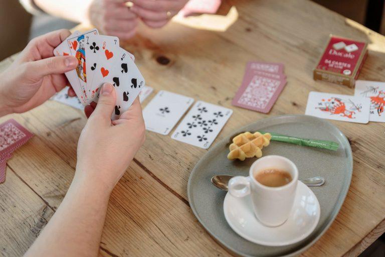 Fabrication de cartes à jouer et jeux de société
