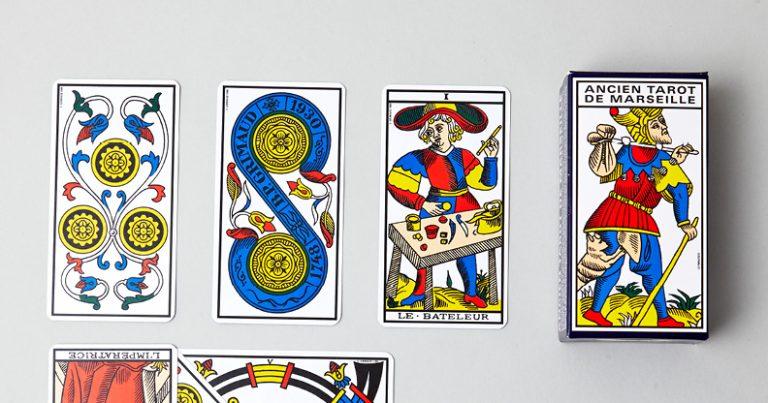 jeux-de-cartomancie-illustration-menu