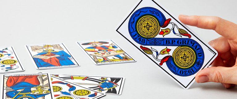 jeux-de-cartomancie-tarot-de-marseille-illustration-