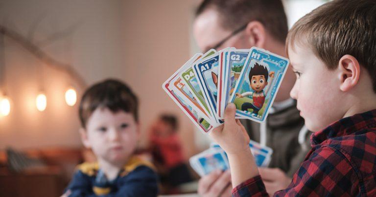 jeux-shuffle-cards-pour-enfants-illustration