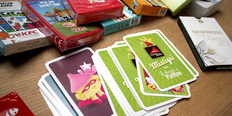 Choisissez un jeu, nous personnalisons les étuis et cartes aux couleurs de votre marque (jeux publicitaires)